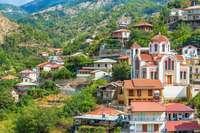 Uitzicht op bergdorp Moutoullas, Cyprus