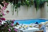 Esperia city - rhodos - ontbijtje aan zwembad