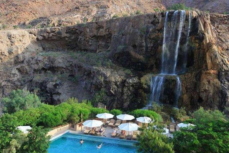 Ma'in Hot Springs Resort & Spa zwembad en waterval