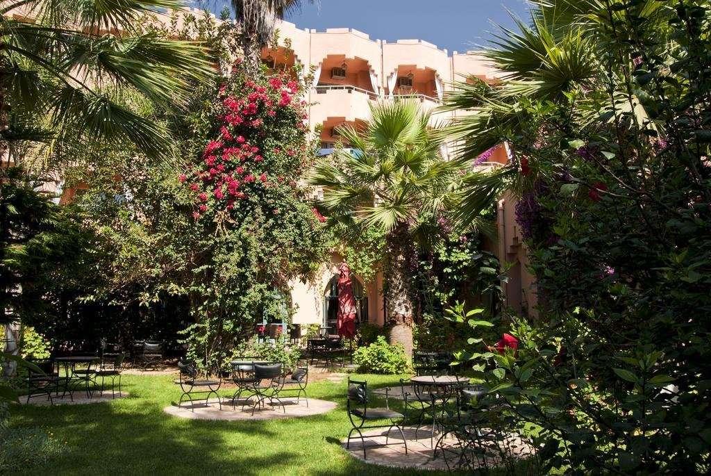 Hotel Le Tazarkount tuin - Afourer
