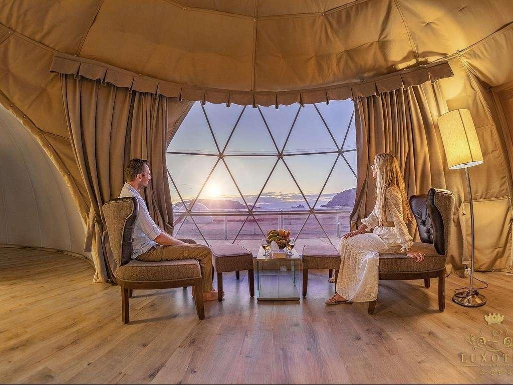 Wadi Rum UFO Luxotel junior suite zithoek - Wadi Rum