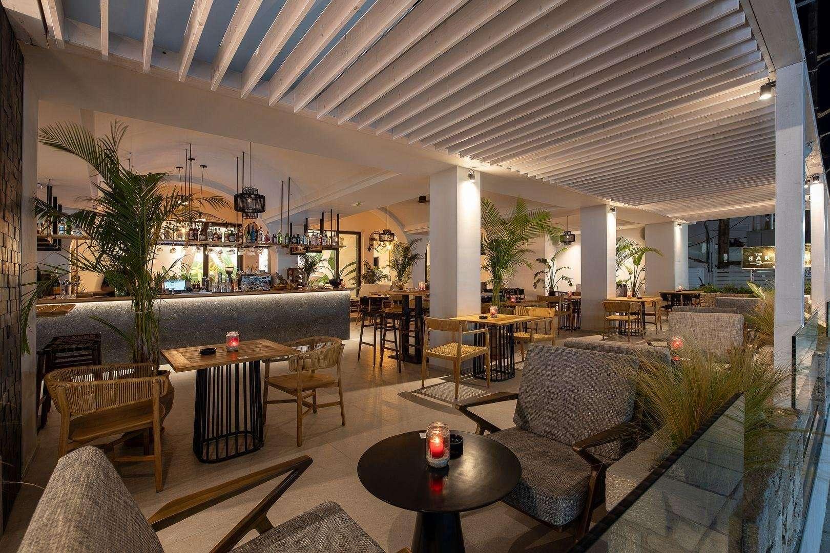 More Meni Residence - bar