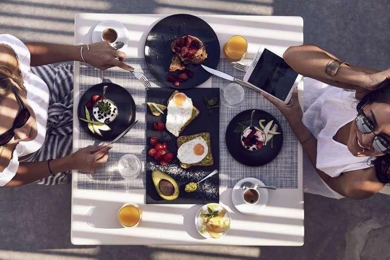 Ios Palace - restaurant