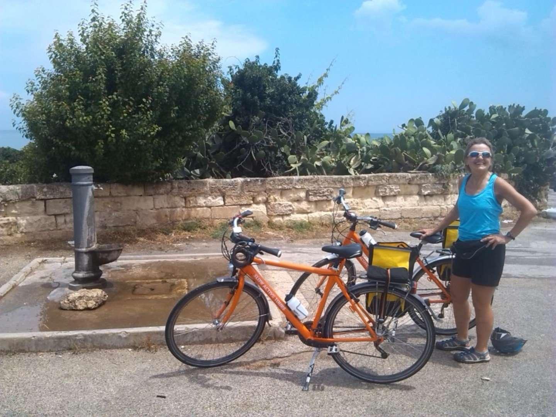 ontdek puglia op de fiets - fietser