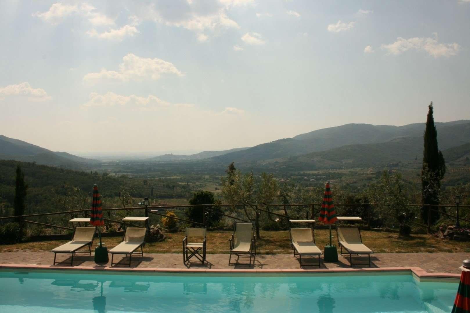 montanina uitzicht zwembad