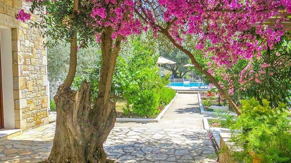 Kerveli Luxury Villa - tuin