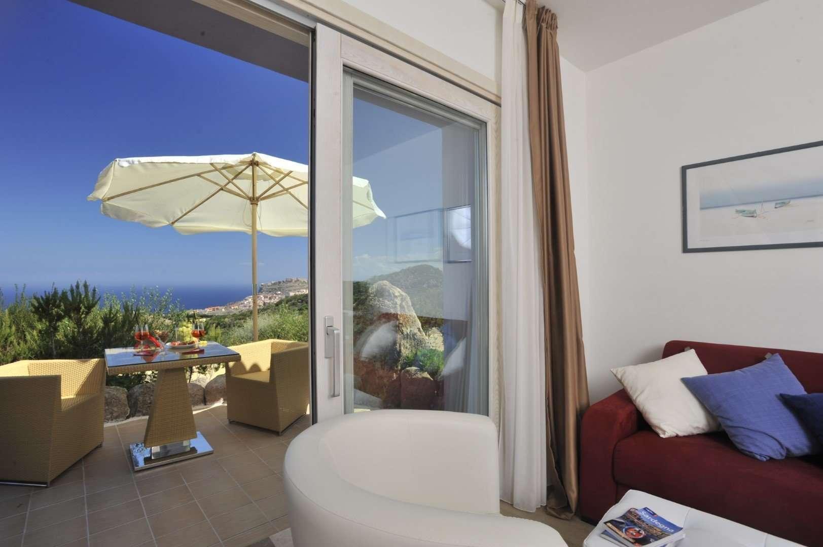 bajaloglia - sardinie - terrasje junior suite deluxe