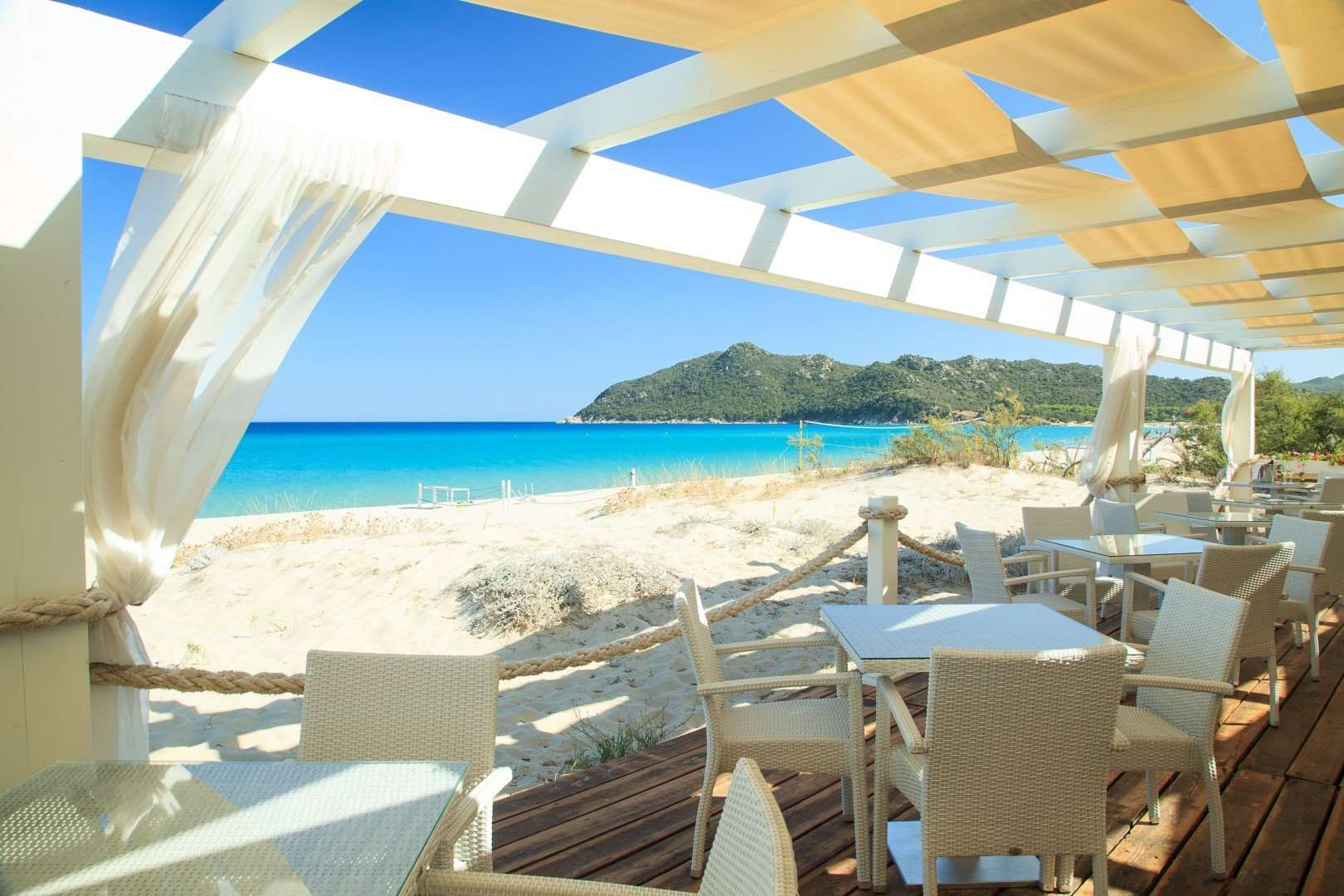 hotel garden beach - sardinie - restaurant aan zee