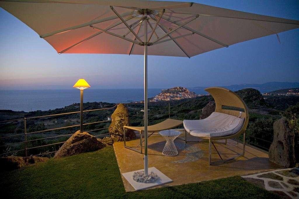 bajaloglia - sardinie - uitzicht avond op zee