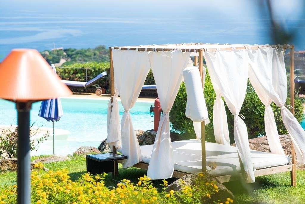 bajaloglia - sardinie - ligbed zwembad