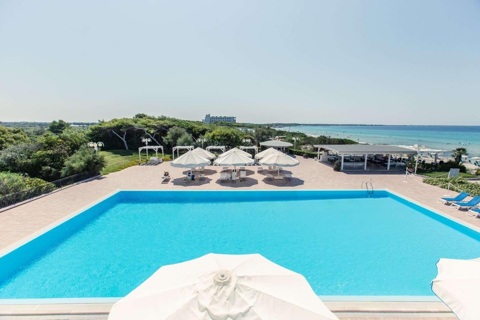 hotel costa brada - gallipoli - puglia - italie -zwembad