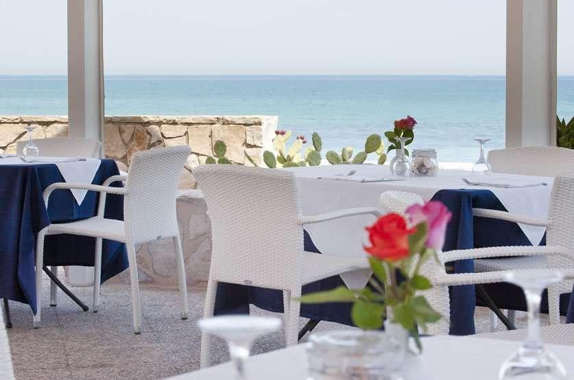 hotel del levante - puglia - italie - eten aan zee
