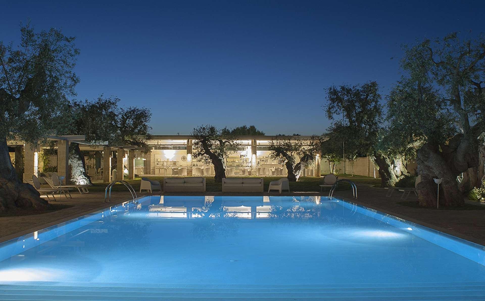 masseria torre del diamante - puglia - italia - avondfoto zwembad