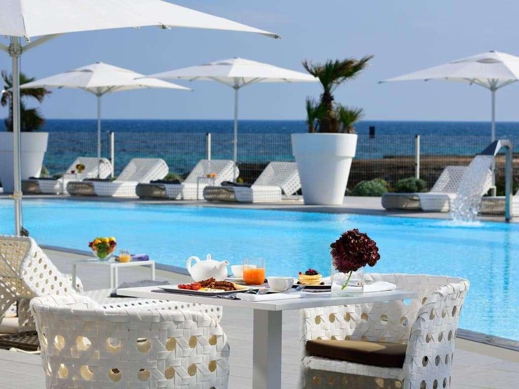 sole in me resort - puglia - italie - ontbijt - zwembad -zee