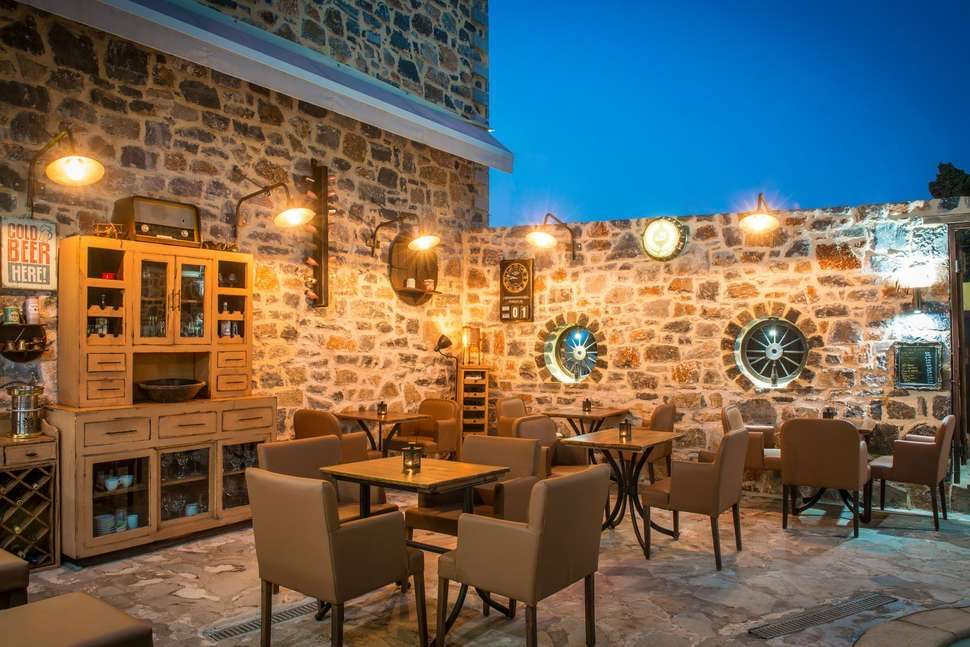 Balsamico Traditional Suites - bar