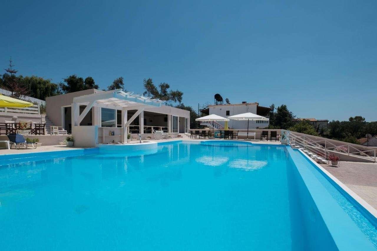 Appartementen Kouros - zwembad