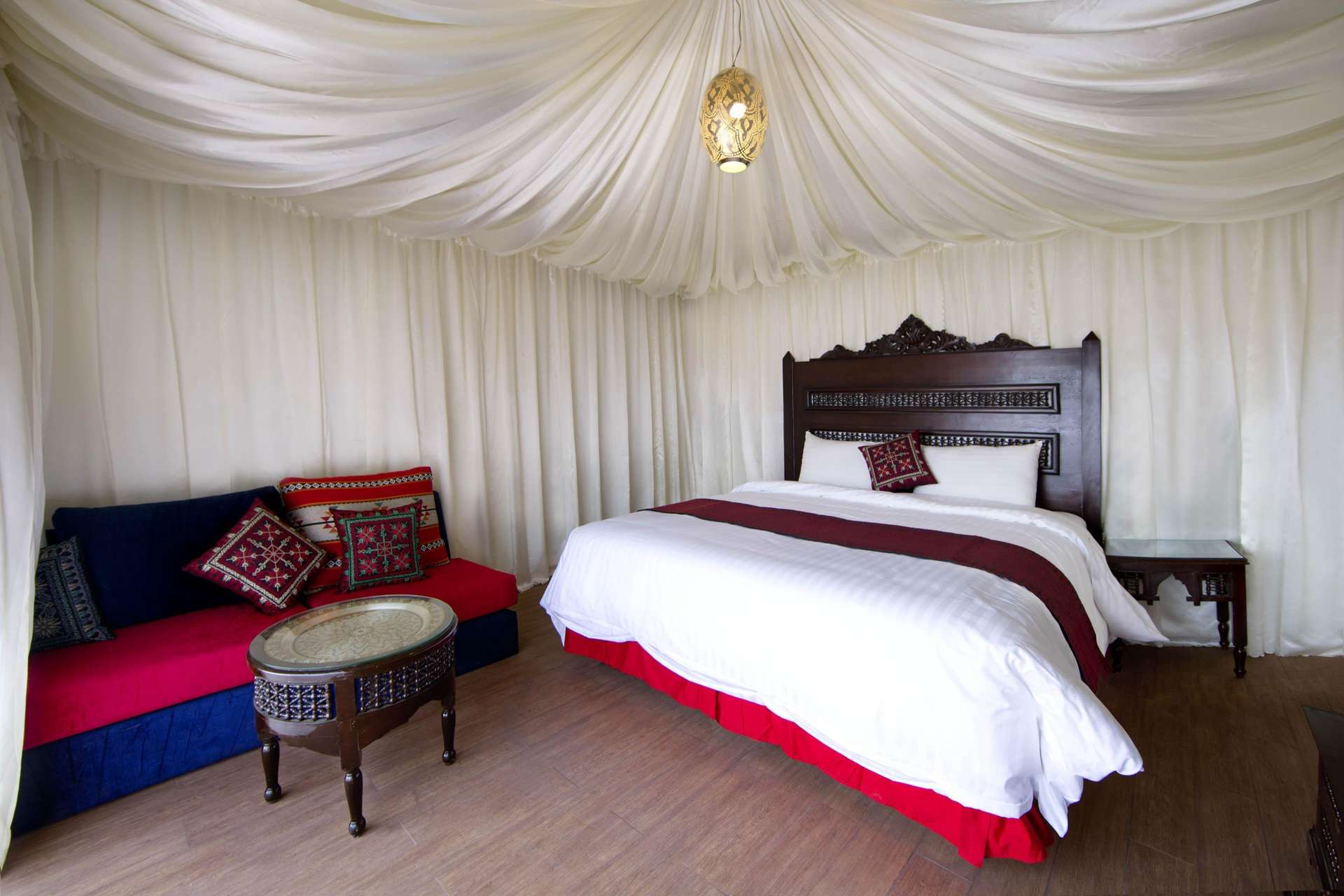 Wadi Rum Night Luxury Camp luxe tent - Wadi Rum
